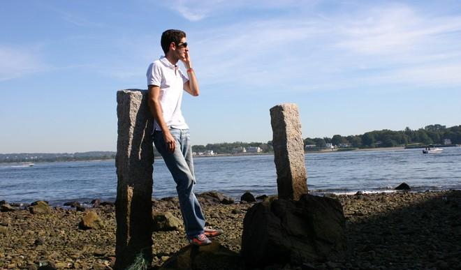 Czy Polacy przebywający na urlopie muszą odbierać telefon od szefa